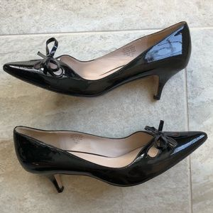 Joan & David Black Dagardener Leather Kitten Heels